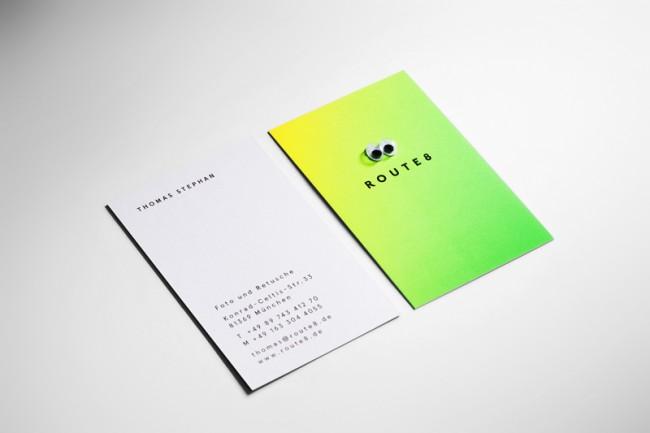 Eine Sonderedition von Visitenkarten mit »Wackel-Augen«