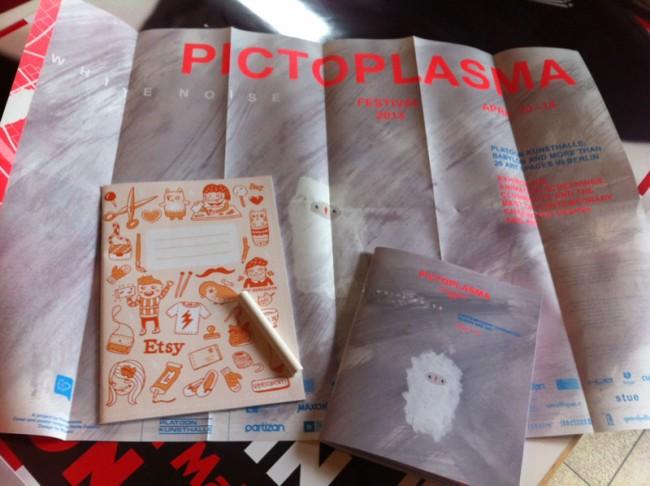 Das Pictoplasma Konferenz Set: Programme, Pläne - und Kreide, um die Platoon Kunsthalle mit White Noise zu überziehen