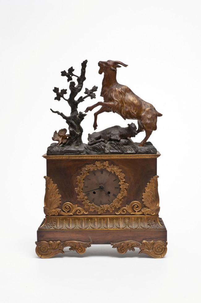 Historistische Tischuhr, 2. Hälfte 19. Jh. Kategorie: Jägerkitsch