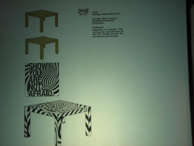 Ikea-Tisch »Lack« mit Goldlack