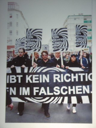 Am 1. Mai 2013 protestierte von Borries mit der RLF in Kreuzberg