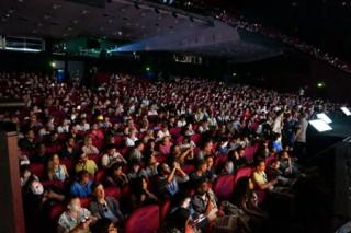 Volle Säle in Cannes: Bis zu 90 Minuten stehen die Festivalteilnehmer vor den Vorträgen an, um einen der begehrten Plätze zu ergattern. Insgesamt zählt das Festival in diesem Jahr 13.000 Teilnehmer.