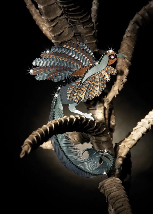 Paradiesvogel aus Papier, eigeninitiert, Fotograf: Heidi Fröhlich