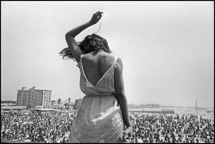 content_size_Dennis-Stock_Venice-Beach-Rock-Festival