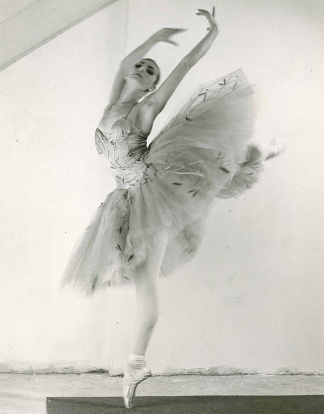 Eveline 1963 als Achtzehjährige im Ballett der Staatsoper