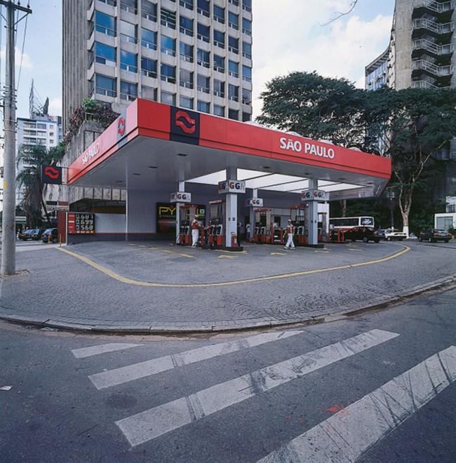 Petróleo Tankstellen São Paulo, Foto: Alexandre Wollner, 1990
