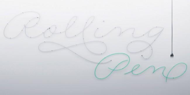 Sudtipos' Frontman Ale Paul schuf mit der Linearen Rolling Pen einen ebenso modernen wie anwendbaren Schreibschriftfont. Brownstone geht in eine ähnliche Richtung, ist aber deutlich konstruierter