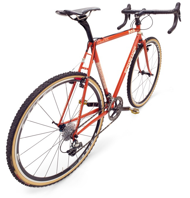 TY_130926_BicycleBuilder_34_bike_side_silo_image