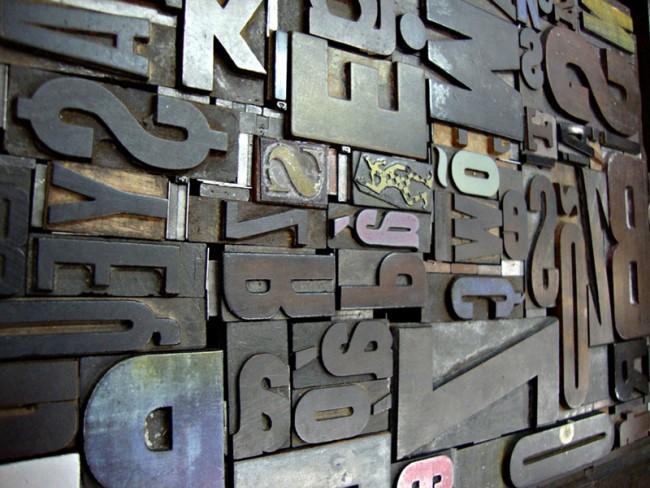 Typo-Missionar Henrique Nardi rief vor zehn Jahren die Initiative Tipocracia ins Leben. Tipocracia ist kein Studio und auch keine Typefoundry, sondern verfolgt einzig und allein das Ziel, den Menschen in Brasilien Typografie in allen Facetten nahezubringen.