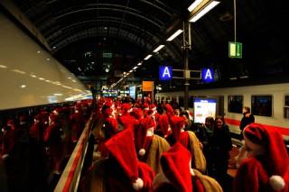 »Rentiere waren gestern« Die Nikolaus-Überraschung der Deutschen Bahn | EVA AWARD 2013 | Kategorie: Consumer Event | Kunde: DB Fernverkehr AG