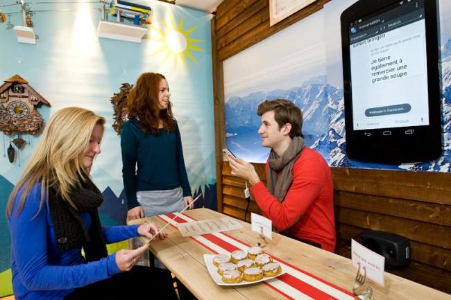 Keine Sprachbarrieren mehr im Restaurant: Statt selbst auf Französisch zu bestellten, kann man sein Nexus sprechen lassen
