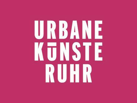 content_size_UKR_Logo_Pantone_227_C