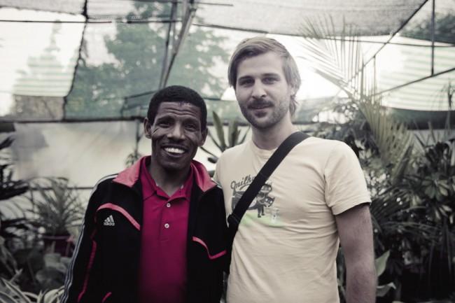 Fabian und Haile Gebrselassie in einem Kindergarten in Äthiopien