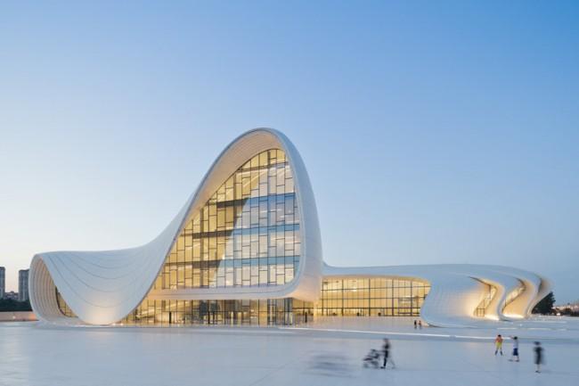 Architecture: Heydar Aliyev Center, Baku, Azerbaijan
