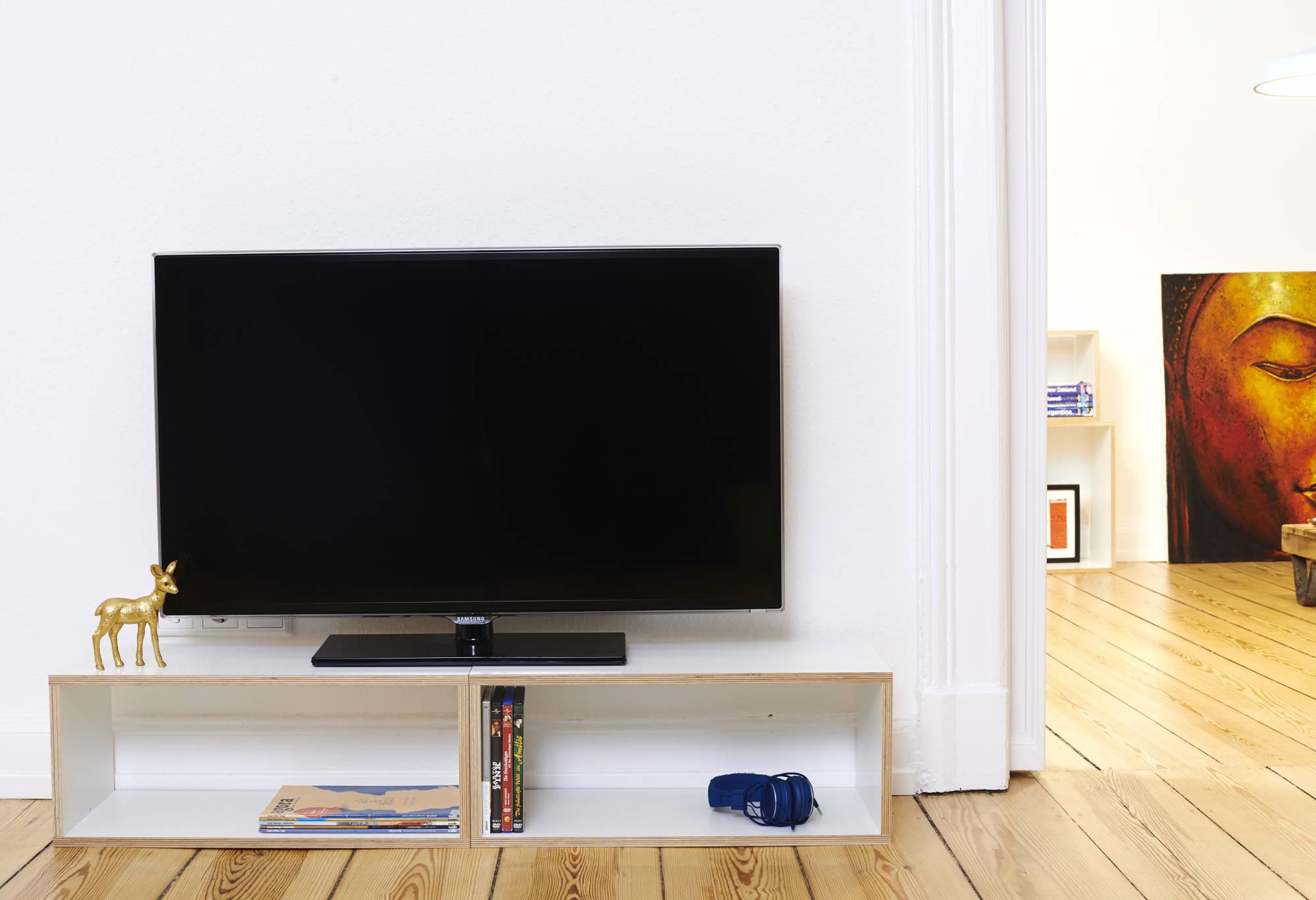 TV_Board_S_1