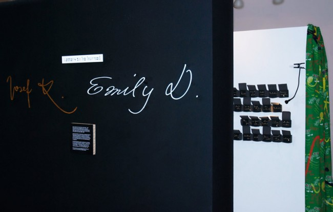 »Emily in White« und »FF Mister K« in »Letters to be Burned« / Finnland-Institut, Berlin 04.09.-06.11.2014