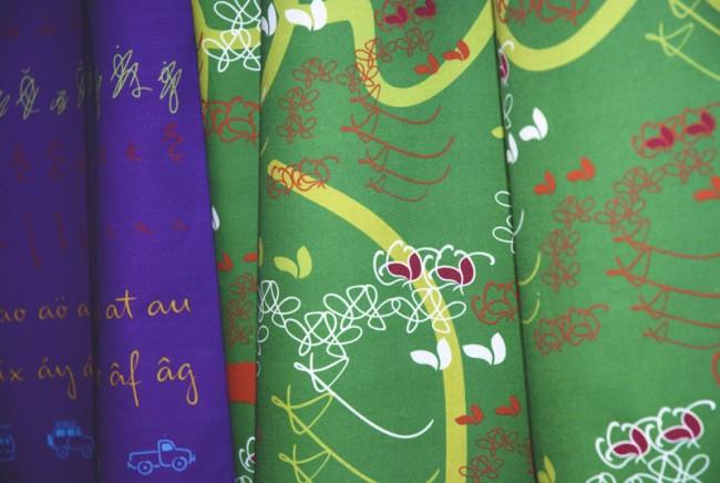 »Mister K« Motive auf Textil gedruckt