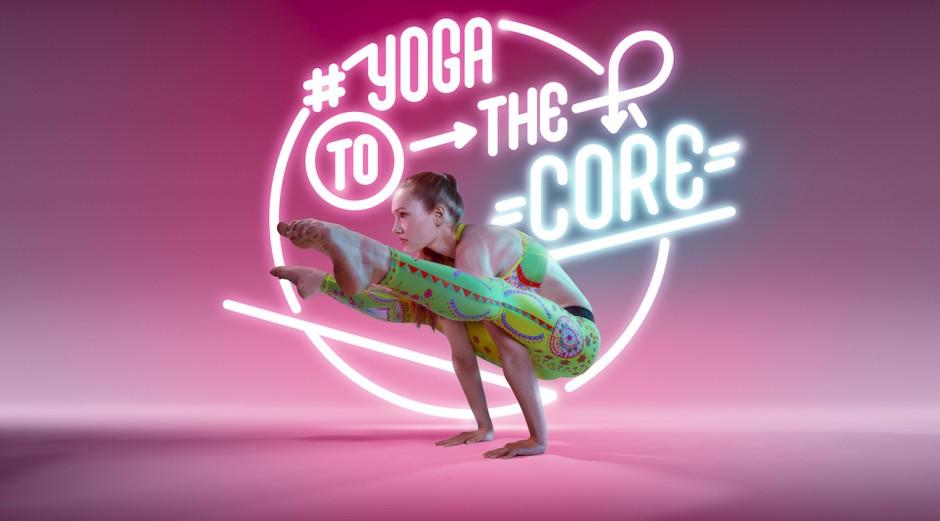 Der Berliner Fotograf Björn Ewers – unterstützt von Typgoraf und Designer Kay Haußler – fertigte ungewöhnlich poppige Yoga-Fotos an http://studio314.de
