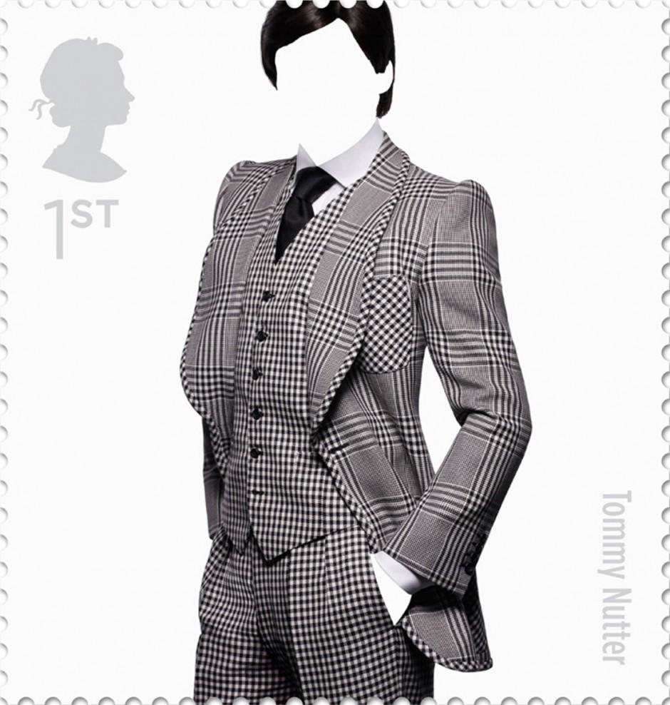 Und weil's so schön war, hier nochmal die vom Designstudio Johnson Banks 2012 als Hommage für berühmte britische Modedesigner gestalteten Marken