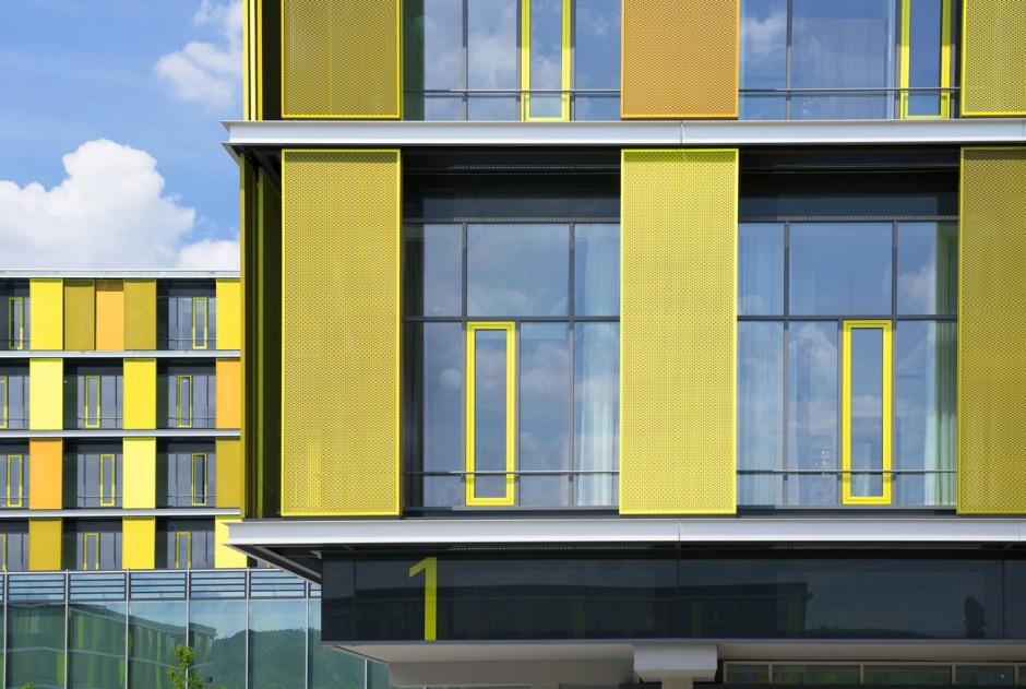 BI_141217_Klinikum_Winnenden_03-Rems-Murr-Klinikum-Fassade
