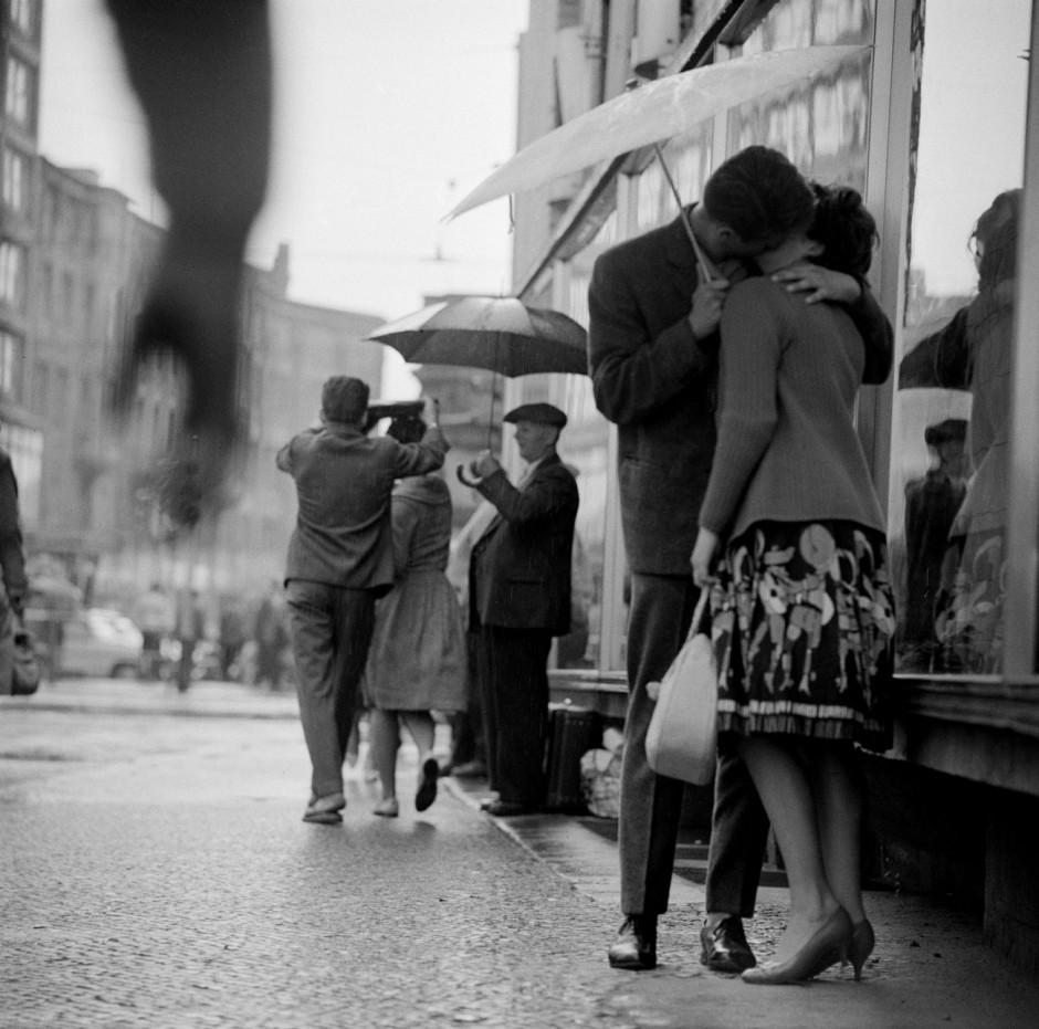 © Thomas Billhardt, Alexanderplatz, Berlin, 1959