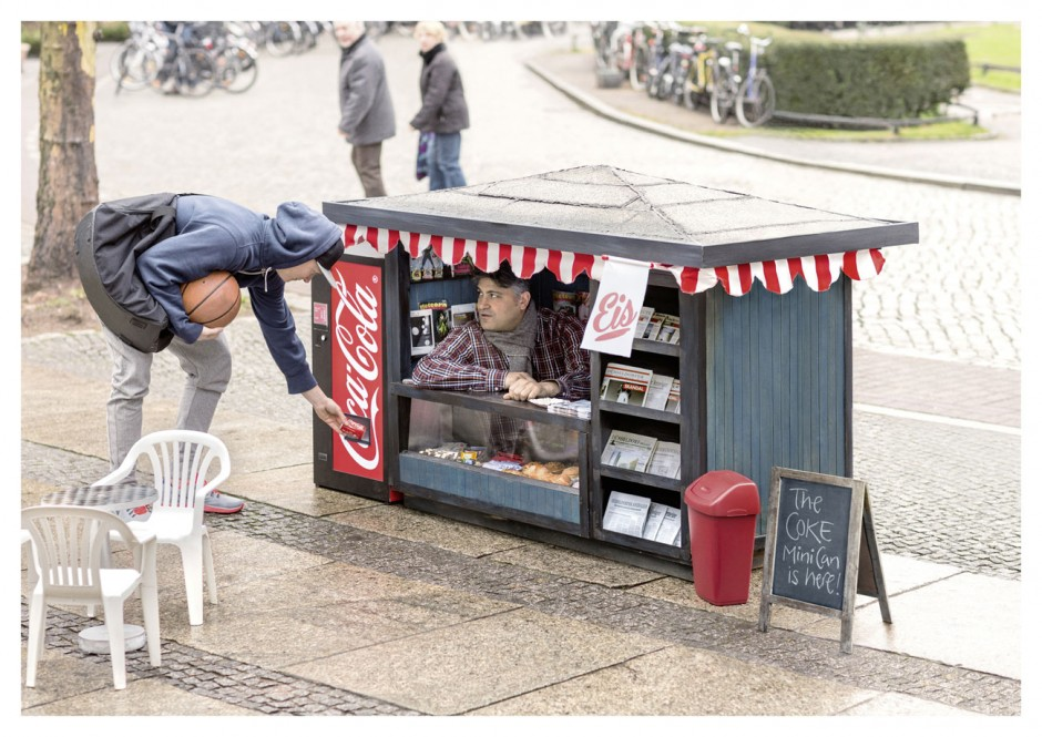 Man, 2013, Berlin, Werbung für Coca-Cola, Deutschland, Coca-Cola Mini Can 0.15L, ausgezeichnet als Silver Lion Campaign, 2014