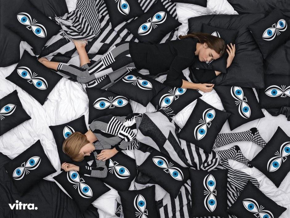 Vitra vs. Pillows