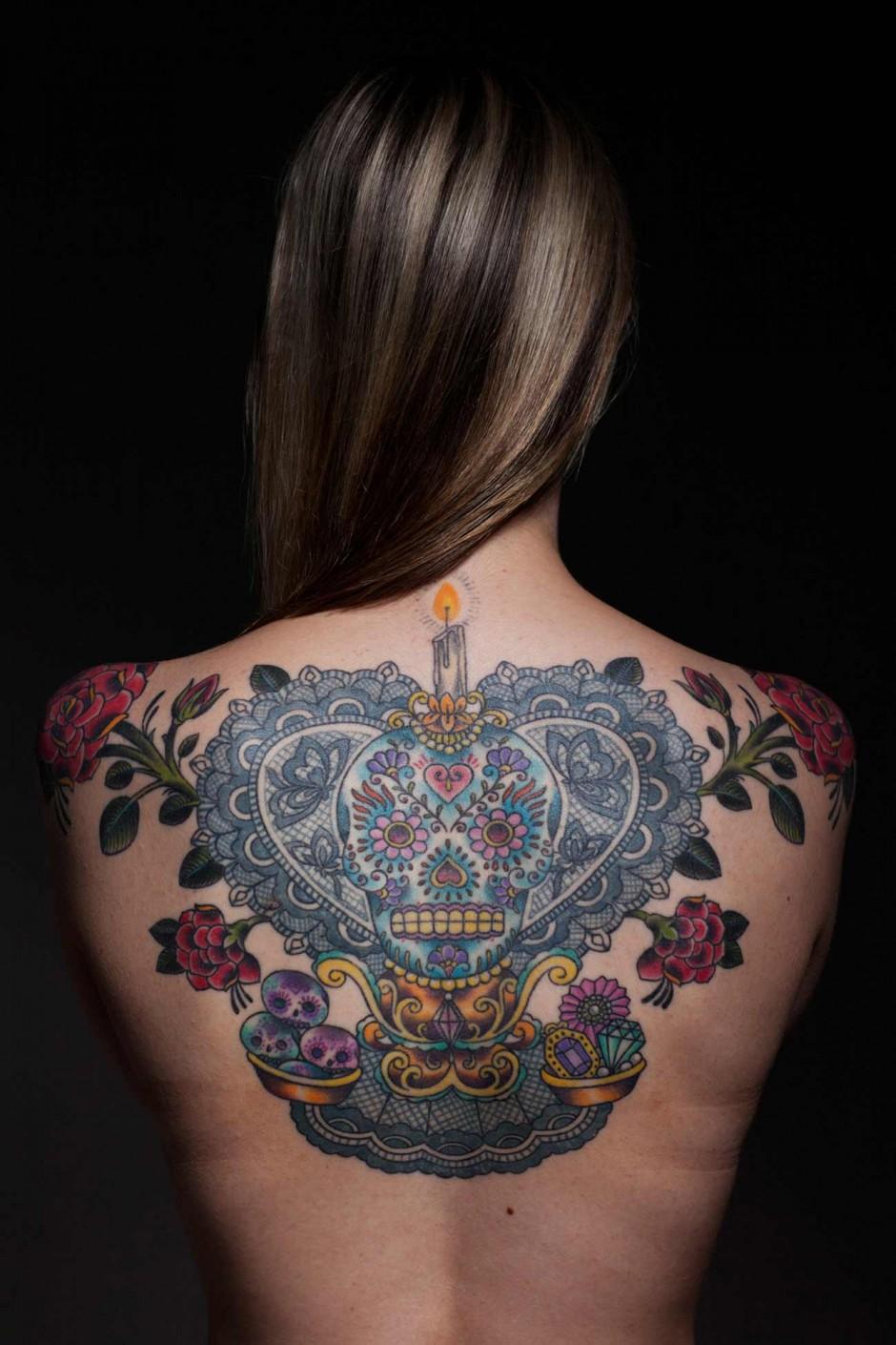 Ashleigh tattooed by Saira Hunjan Foto: Tareq Kubaisi