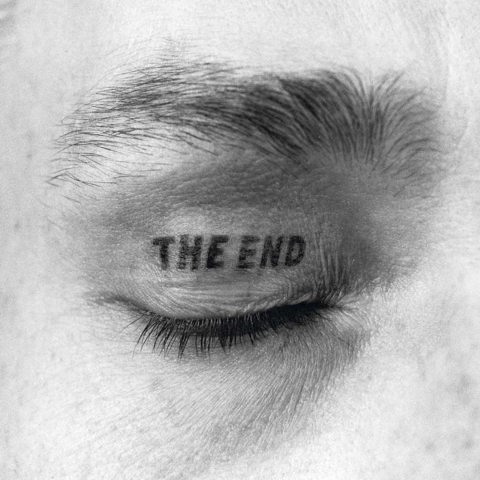 The End, 1970, 1981, 1997 Augenlid-Tätowierung, Inkjet-Print auf Leinwand auf Keilrahmen, 150 x 150 cm