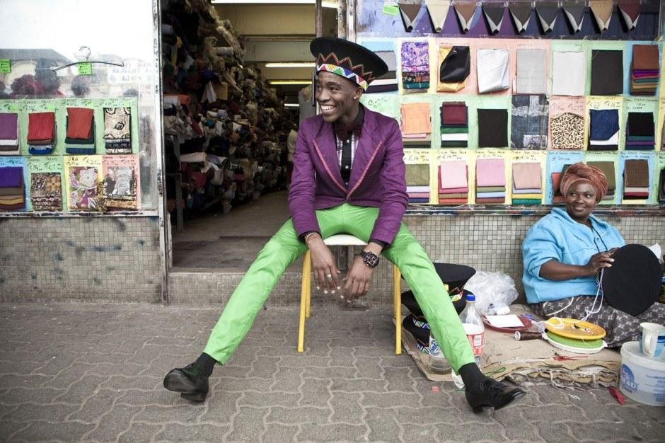 Chris Saunders, Lethabo Tsatsinyane fotografiert für Dazed Magazine aus der »Smarteez« Serie, 2010
