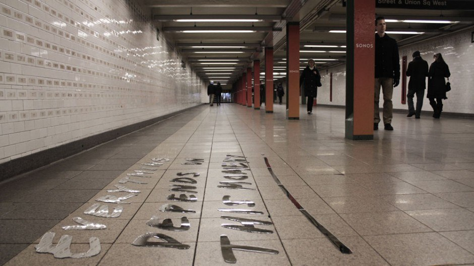 Typografische Installation – Union Square Subway Station
