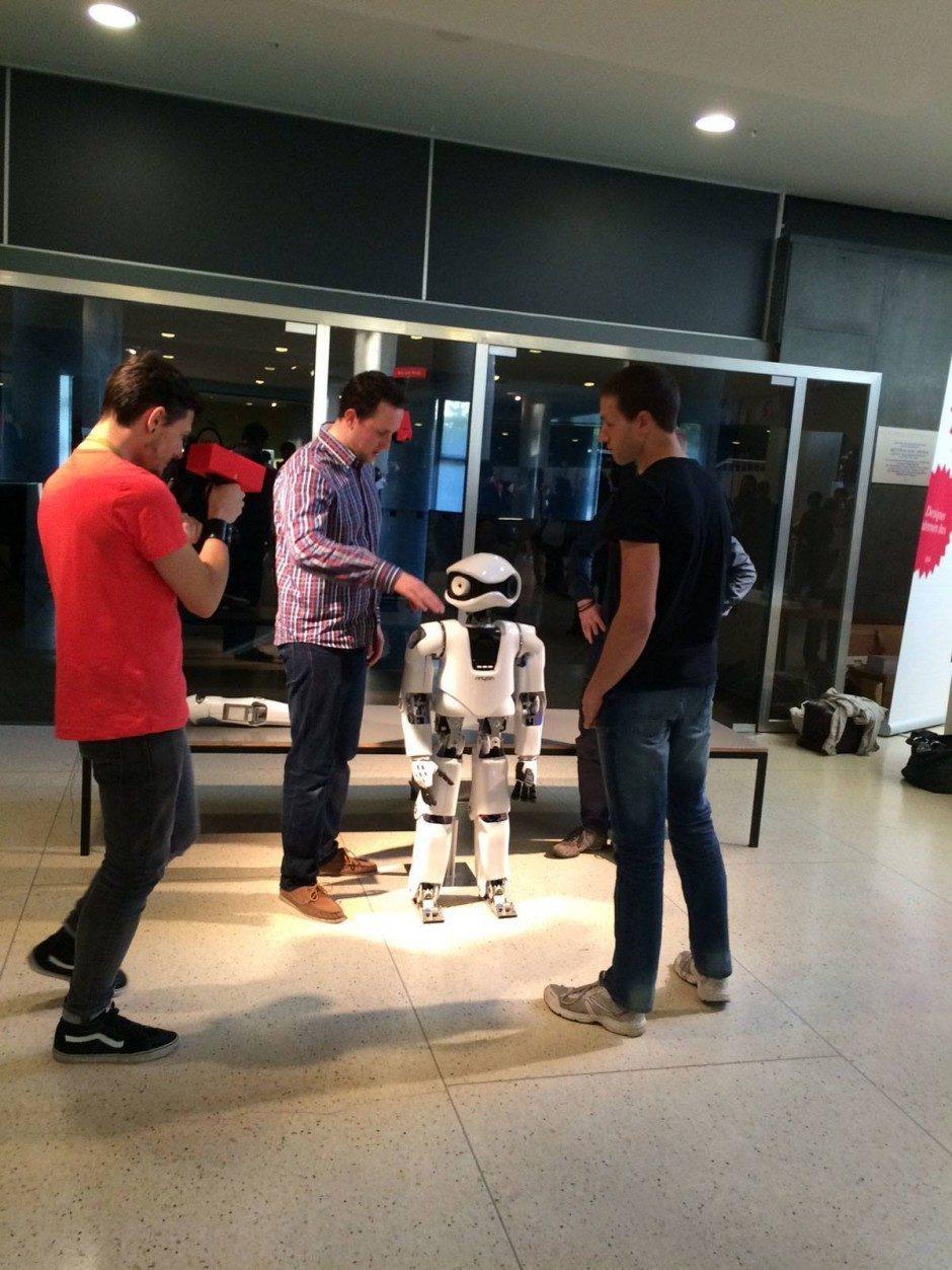 Der Roboter Myon zu Gast auf der TYPO