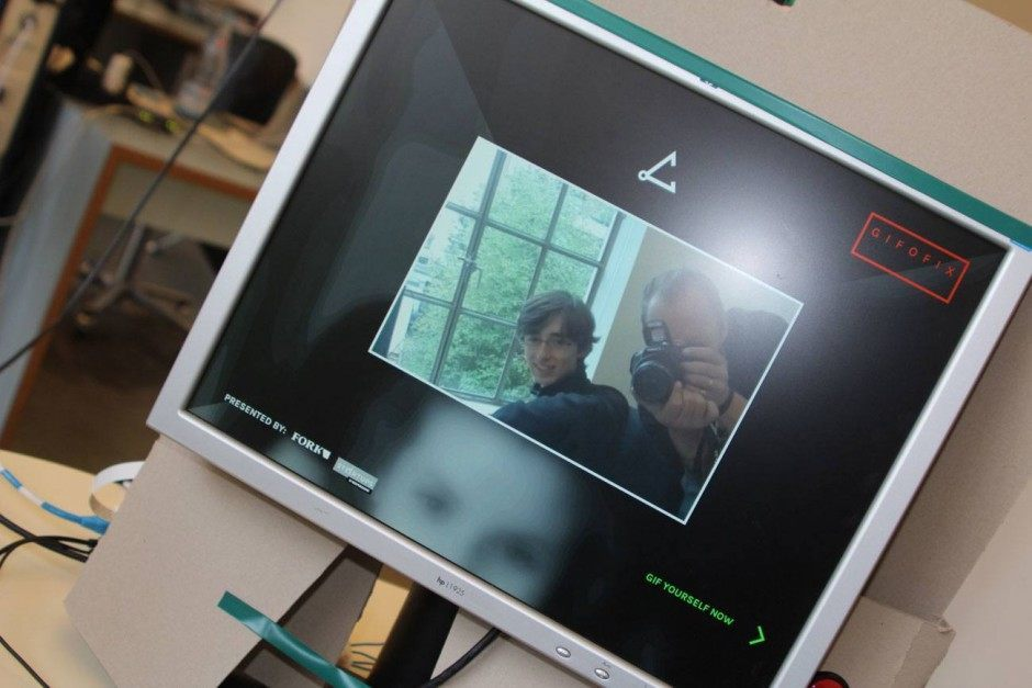 Fork-Box: Rapid Prototype Selfie