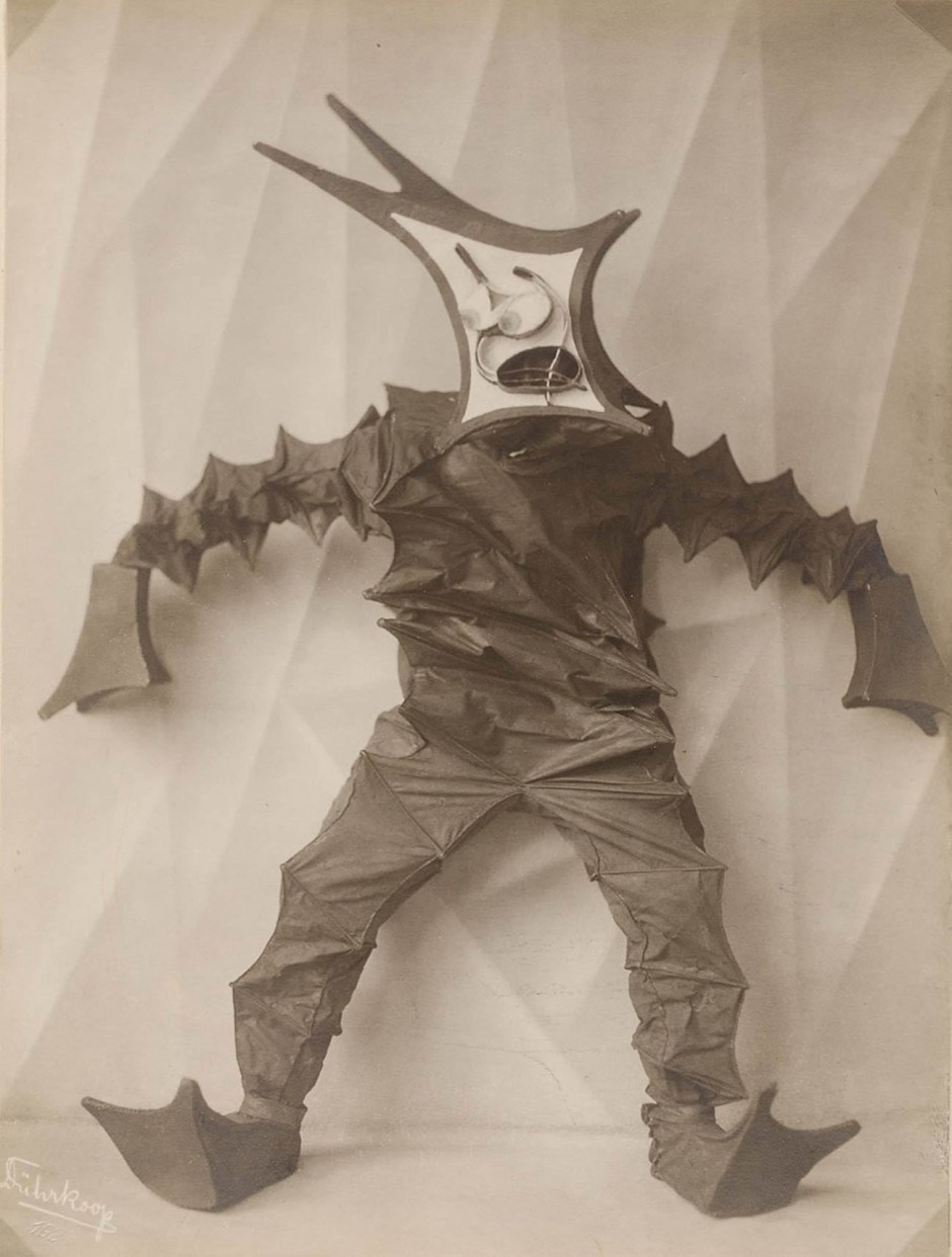 Minja Diez-Dührkopp, Tanzmasken 1924. MKG Sammlung Online (sammlungonline.mkg-hamburg.de)