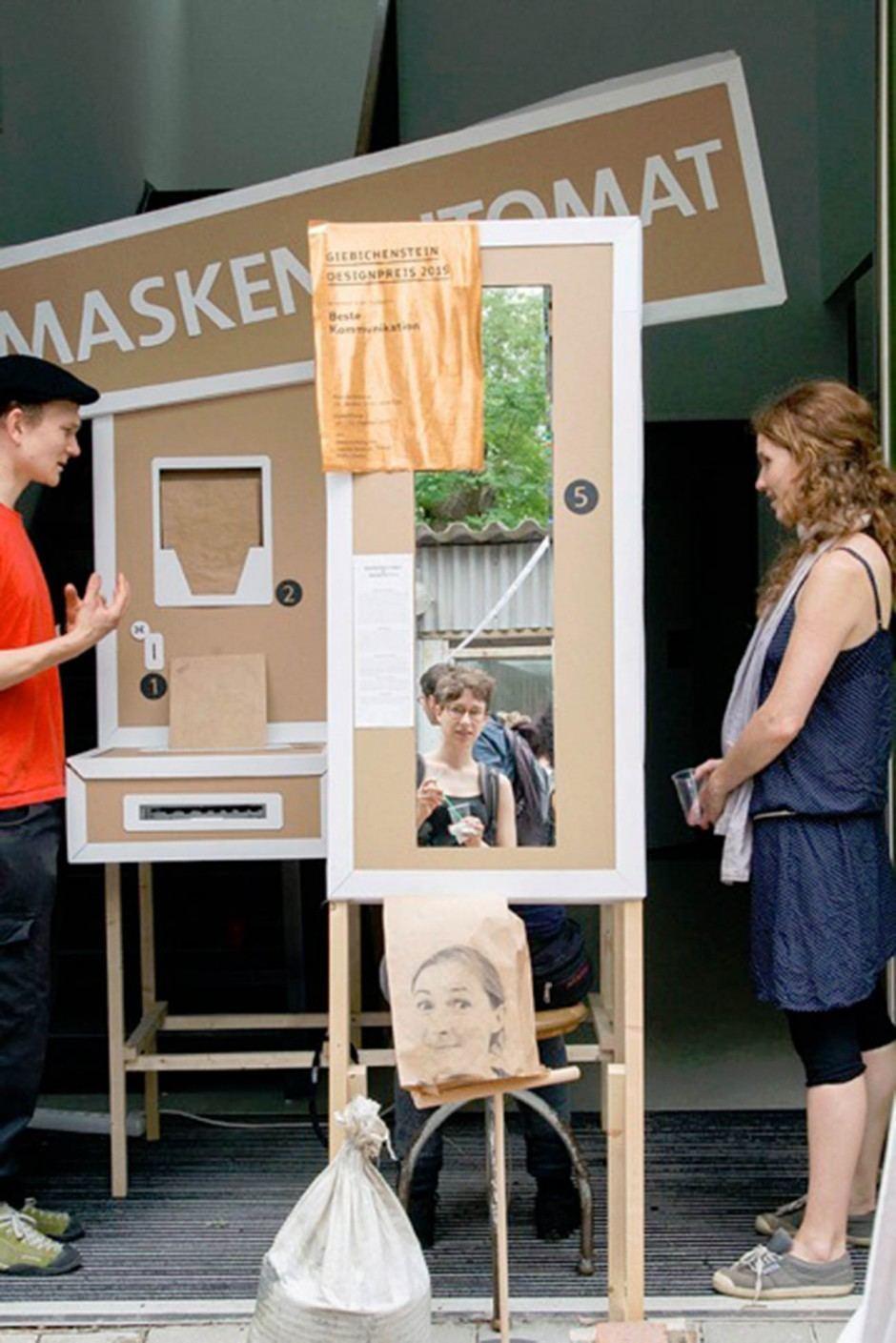 Felix Behr: Maskenautomat