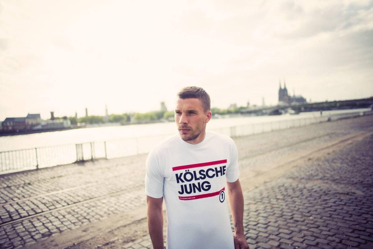 Fussball_Erscheinungsbilder_Podolski_vs_01