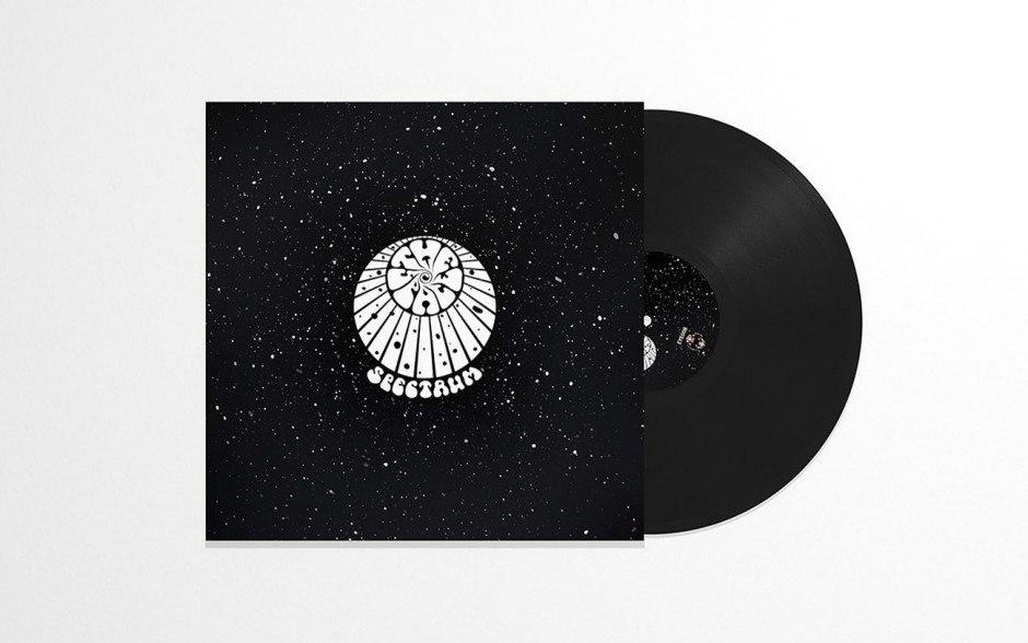 »The Space Spectrum« mit ihrer ersten Schallplatte: provokant, düster und definitiv mitreißend!