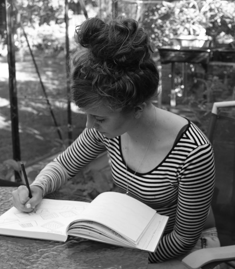 Die Illustratorin Beth Walrond