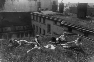 Aufnahmedatum: 1926  Aufnahmeort: Berlin  Systematik:   Geschichte / Deutschland / 20. Jh. / Weimarer Republik / Kunst und Kultur / Rundfunk / Hˆrer / im Freien