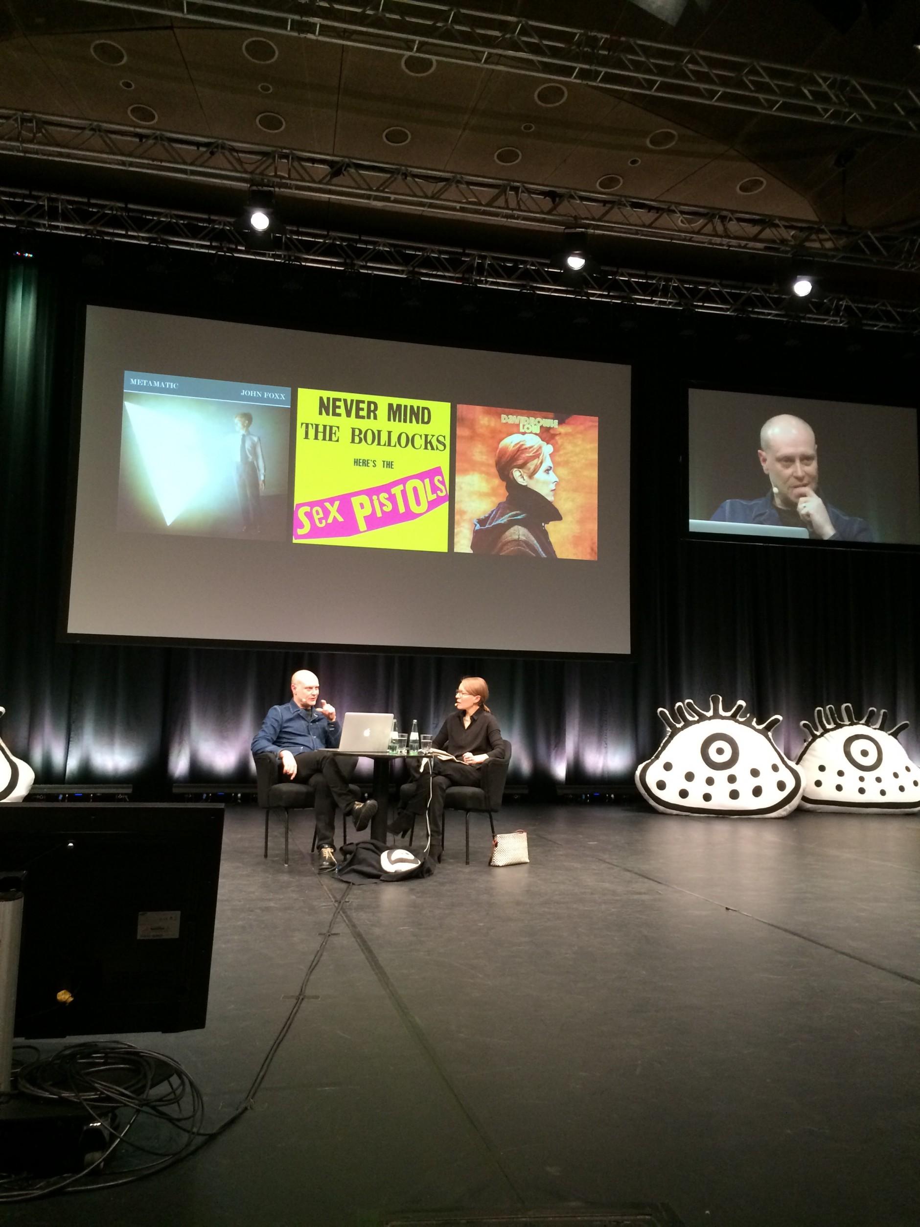 Cover-Vorbilder für Jonathan Barnbrook, im Gespräch mit Sonja Knecht