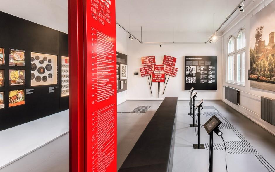 Die zentralen Farben der Ausstellung sind Schwarz und Rot