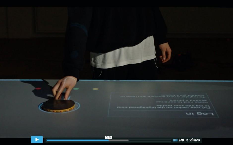 Nachdem der Spieler sich mit seinem Schläger in Thomas Mayers »Table Tennis Trainer« geloggt hat, ...