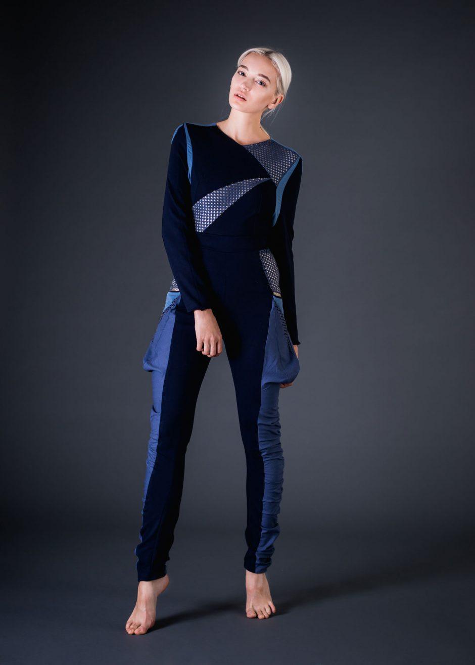 Ihre Yoga-Inforce-Kollektion hat die Berliner Designerin Lilien Stenglein aus einem Lasercut-Mesh und einem zu 99 Prozent aus reinem Silber bestehenden Stoff gefertigt