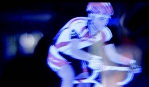 Vorsicht_Fahrrad_Hologram_Elephant_Seven_Mercedes_Benz_E_Klasse