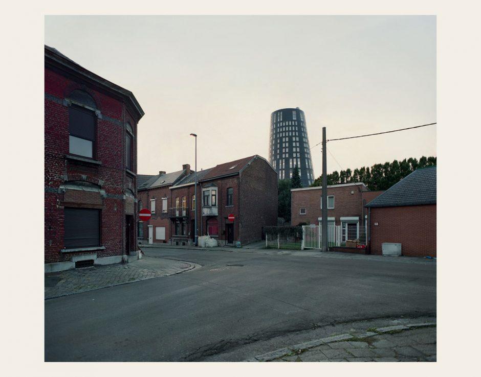Das Covermotiv – zeigt es Hamburg, Belfast oder Charleroi?