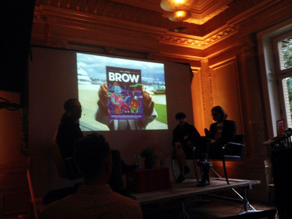 Rosetta Mills und Sam Cooney (links) sprachen mit Fabian Ebeling und Steffen Greiner über ihr Magazin »The Lifted Brow«
