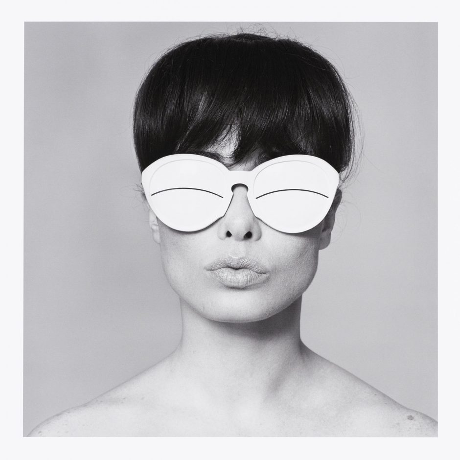 Peter Knapp, Elia Fouli, Sandra et les lunettes Courrèges, in: Elle, 1965, Modern Print: 2016, Museum für Gestaltung Zürich, Grafiksammlung