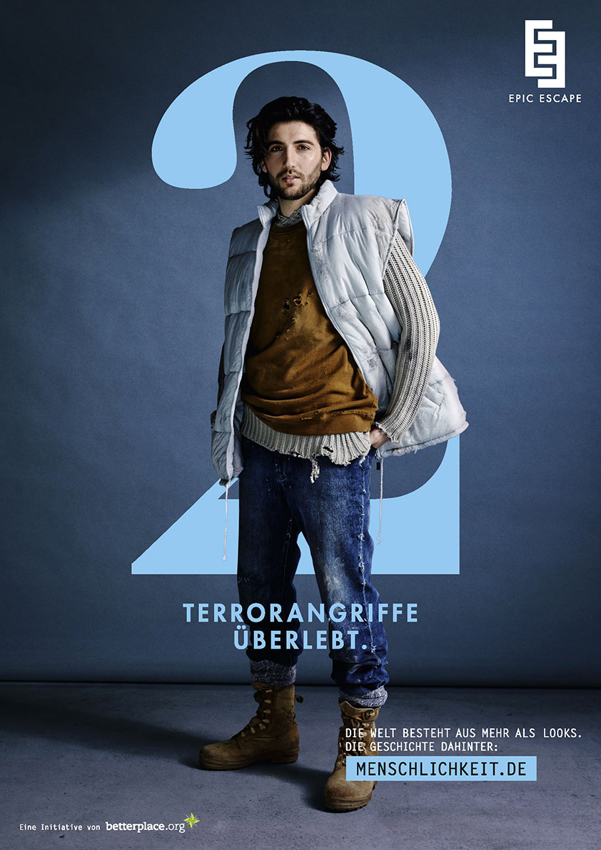 Mehr über die Kampagne, für die Philipp Rathmer Fotos im Fashion-Look schoss, erfährt man unter www.menschlichkeit.de