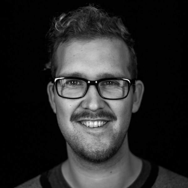 Lenard Schwenkschuster berichtet von seiner Erfahrung in der Ausbildung zum Mediengestalter