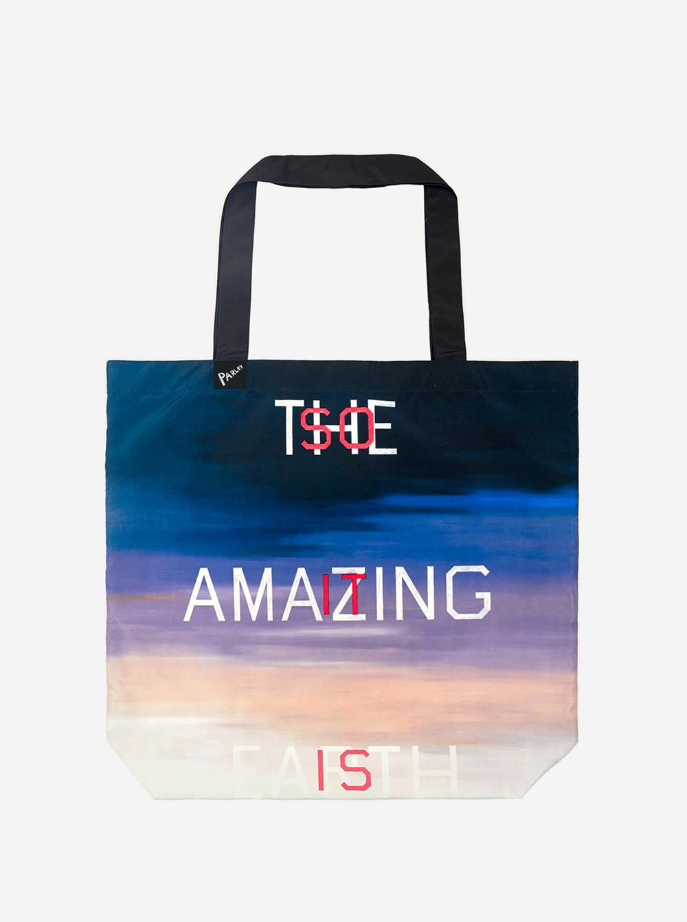 Wie aus Plastikflaschen Künstler-Oceanbags entstehen   PAGE online